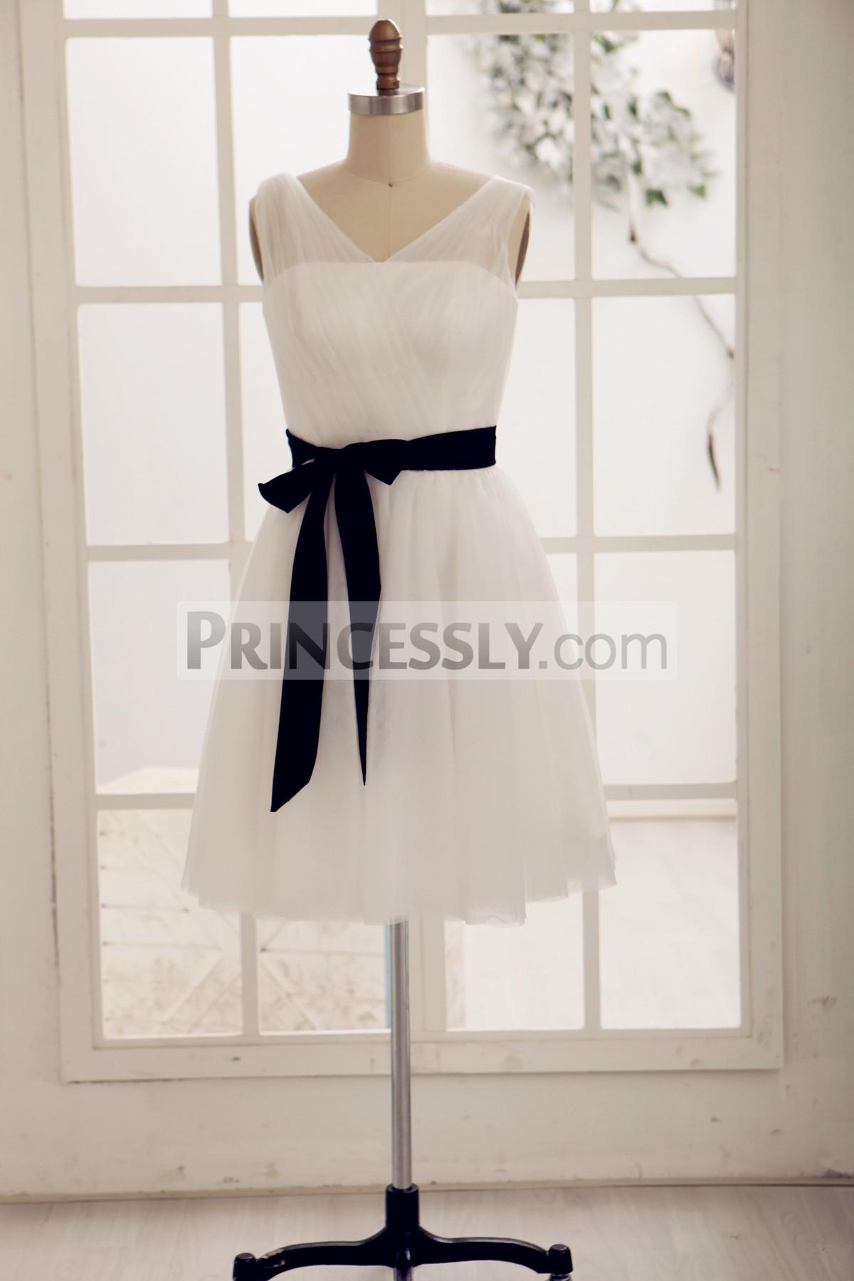 Princessly.com-K1000064-Simple V Neck Tulle Short Knee Length Bridesmaid Dress-31