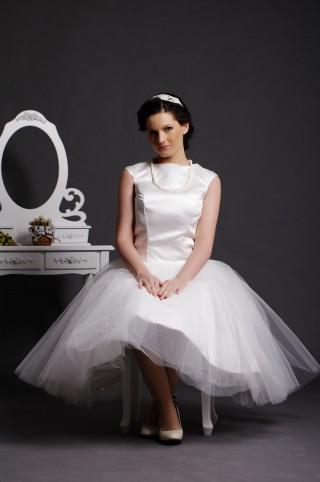 Cap Sleeves Jewel Neck Layered Pleats Ball Gown Tea Length Satin Tulle Bridal Dress