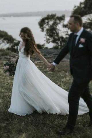 Ivory Chiffon Straps V Neck Wedding Party Dress