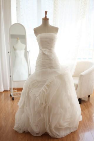 Organza Mermaid Wedding Dress Strapless Sweetheart Ruffle Flowers Train Dress