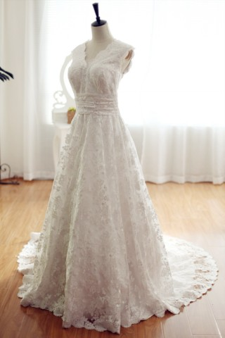 Vintage Inspired Lace  Wedding Dress with Cathedral Train V Neck Bridal Gown
