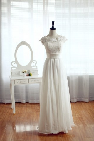 Scoop Neck Simple Lace Chiffon Wedding Dress with Cap Sleeves