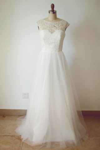 Sheer Illusion Lace Tulle Wedding Dress