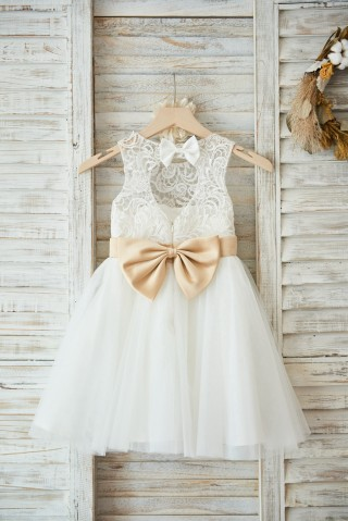 Ivory Lace Tulle Wedding Flower Girl Dress with Keyhole Back/Champagne Bow Belt