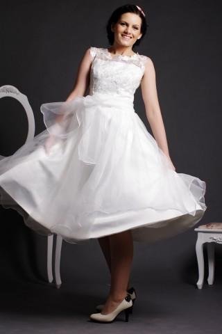 Lace Scoop Neck Tea Length Ball Gown Skirt Organza Wedding Dress w/ Sash