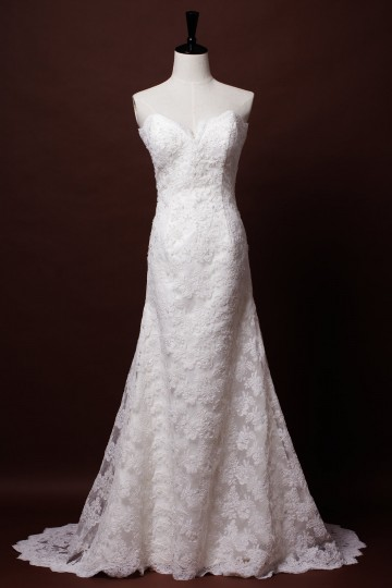 A-line Strapless Sweetheart Scalloped Edge French Corded Lace Floor Length Court Wedding Dress
