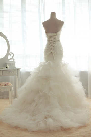 Luxury Fit and Flare Strapless Sweetheart Backless Multi-Tiered Court Organza Bridal Gown