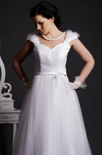 A-line Pearled Flowers Cap Sleeves V-neck Pleated Layered Brush Tulle Bridal Dress