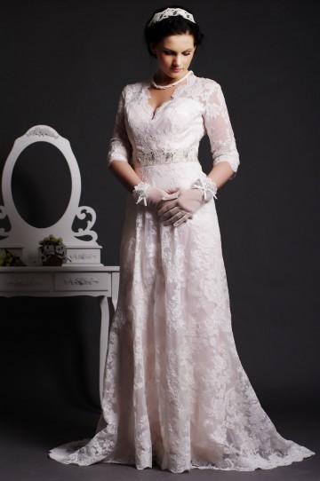 Timeless A-line Scalloped V-neck Key-hole Back Beaded Sweep Lace Wedding Dress