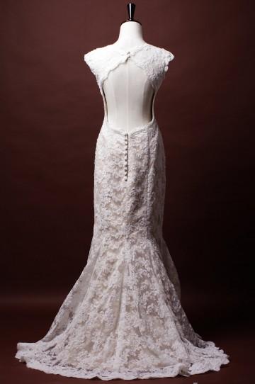 Trumpet Cap Sleeves Sweetheart Key-hole Back Princess Waist Appliqued Lace Wedding Dress w/ Buttons
